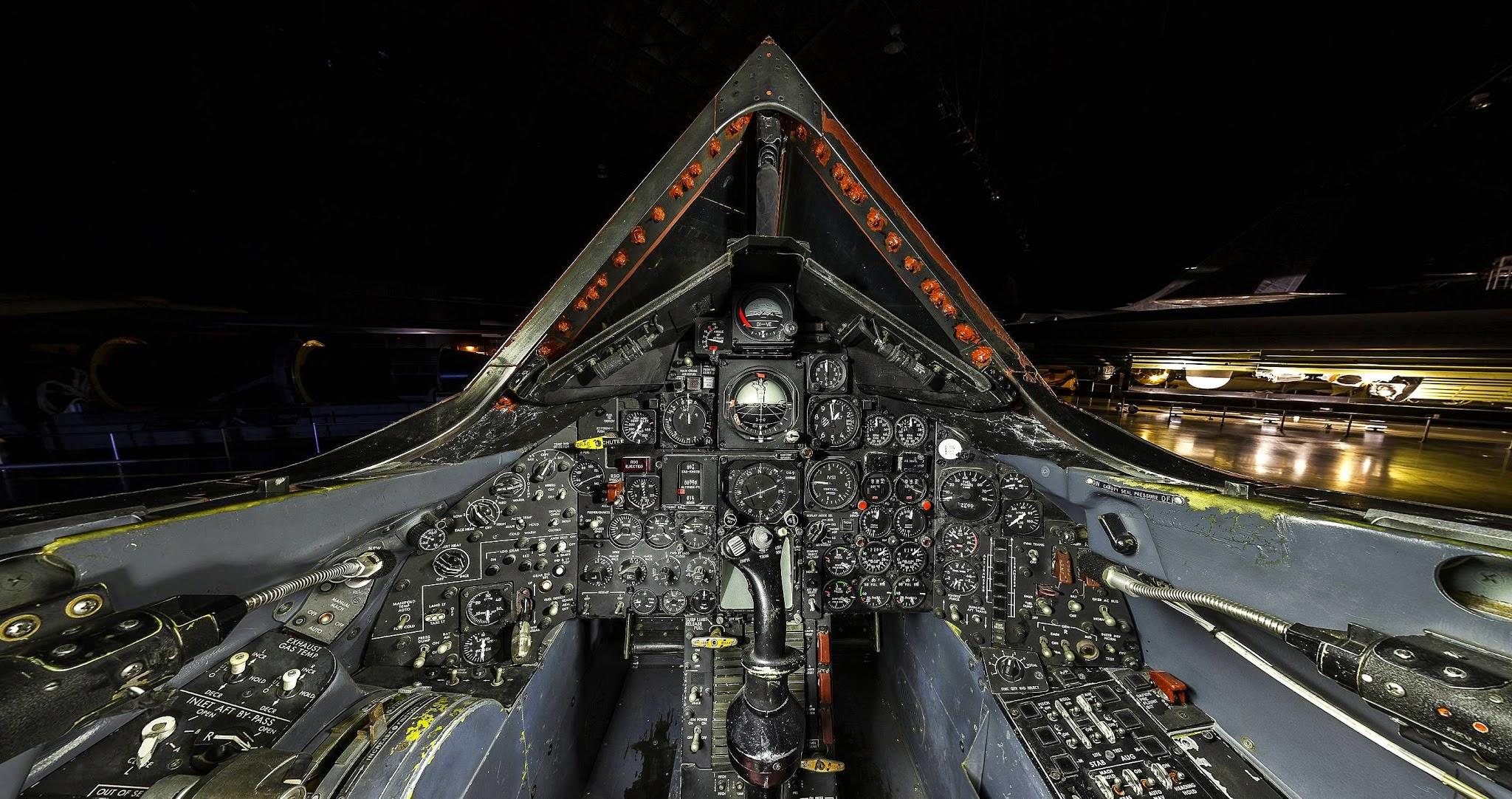 Sr-71_cockpit